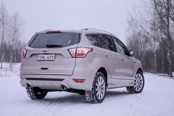 Ford Kuga Vignale – Katumaasturi is loaded