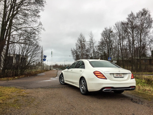 Mercedes-Benz S400D – The Edustusauto